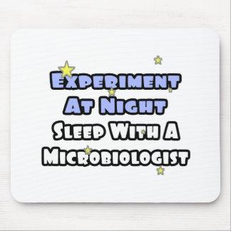 Experimento en el sueño de la noche… con un microb tapetes de ratones