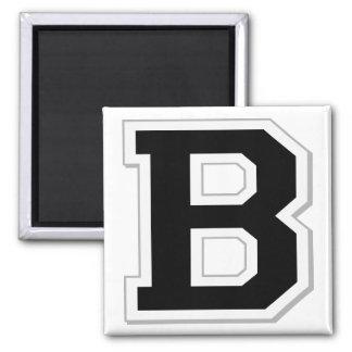 Expliqúelo la letra inicial B en imán negro