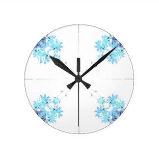 Exploración teñida azul 4 del wildflower para reloj redondo mediano