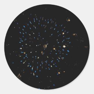 Explosión azul del espacio pegatina redonda