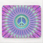 Explosión colorida del signo de la paz alfombrilla de ratón