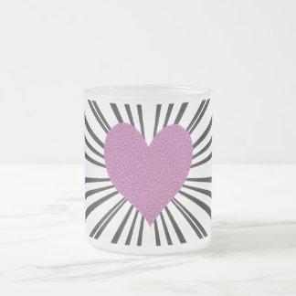 Explosión del amor (rosa en negro) taza