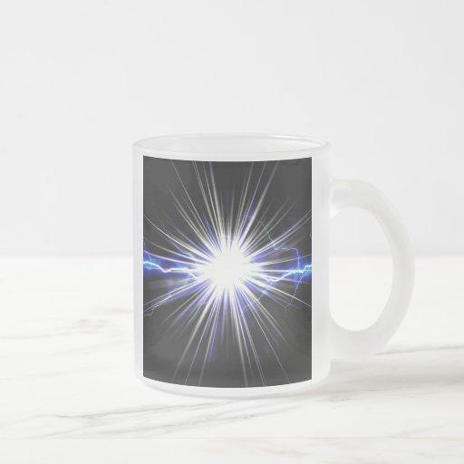 Explosión eléctrica de la estrella del relámpago taza de café esmerilada