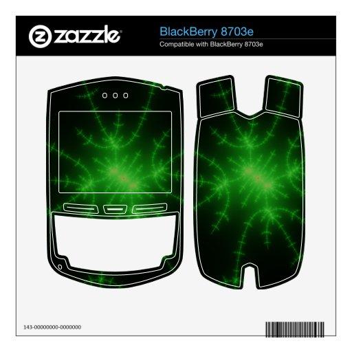 Explosión verde del fractal que brilla intensament calcomanía para BlackBerry