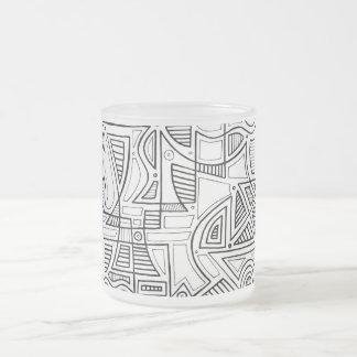 Expresión abstracta de Woodbeck blanco y negro Taza Cristal Mate