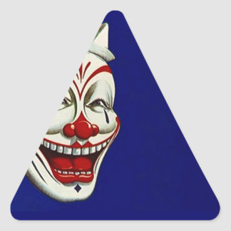 Expresión feliz de la diversión del maquillaje de pegatina triangular