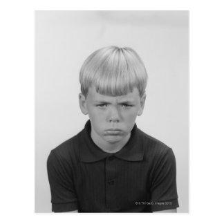 Expresiones faciales del muchacho postal