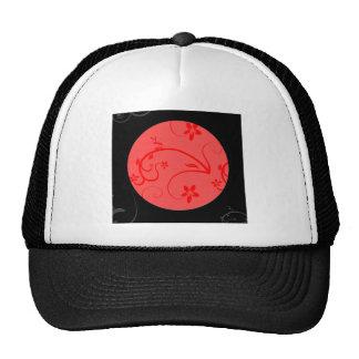 Expresiones intrépidas en rojo y negro gorro de camionero