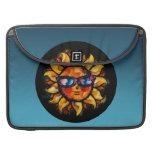 Expresionista colorido brillante Sun con las gafas Fundas Macbook Pro
