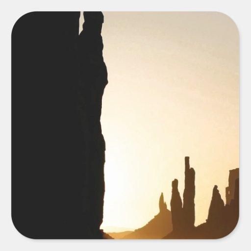 Extensión de Rocky de la puesta del sol Pegatina Cuadrada