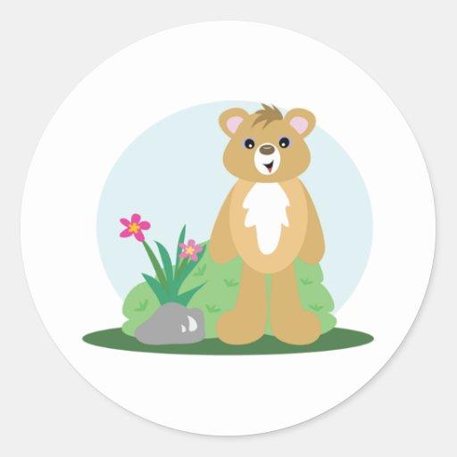 exterior derecho del pequeño oso lindo etiquetas redondas