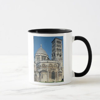 Exterior view of the chevet mug