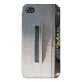 Exterior view of the Hirshhorn Museum, 1974 ) iPhone 4 Cases