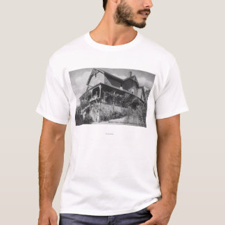 Exterior View of the Hotel Glen Orchy T-Shirt