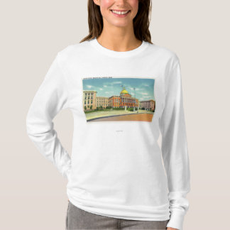 Exterior View of the State House on Beacon T-Shirt