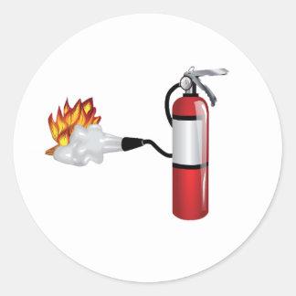 Extintor que pone hacia fuera a los pegatinas del pegatina redonda