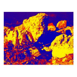 Extracto amarillo rojo pie Pierce de la roca azul Postal