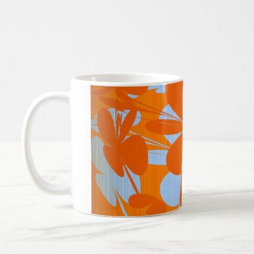 Extracto anaranjado azul en la taza
