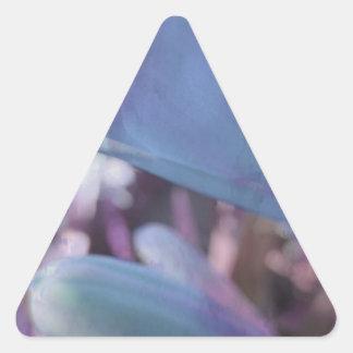 Extracto del lirio de Inka Pegatina Triangular