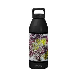 Extracto en rojo y amarillo Hojas En negro Botella De Agua Reutilizable