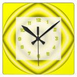 Extracto maravilloso gris amarillo brillante reloj