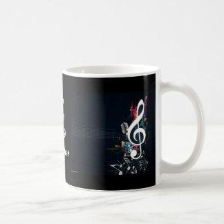 Extracto musical de la nota de la hendidura taza de café