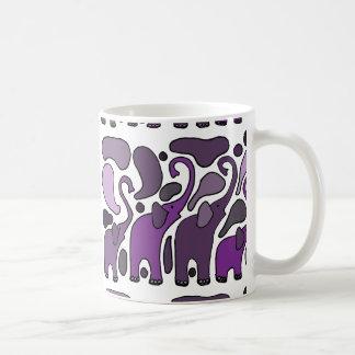 Extracto púrpura del arte del elefante taza clásica