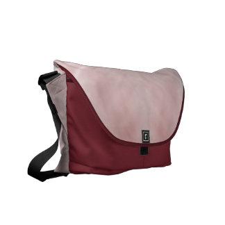 Extracto rosado nublado bolsa de mensajeria