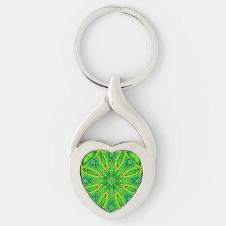 Extracto verde fluorescente llavero plateado en forma de corazón