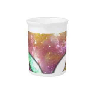 Extranjero colorido jarra de beber