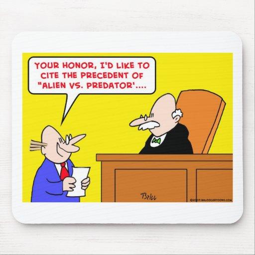 extranjero contra precedente despredador del juez alfombrillas de ratones
