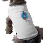 Extranjero de la madre en el teléfono camisetas mascota