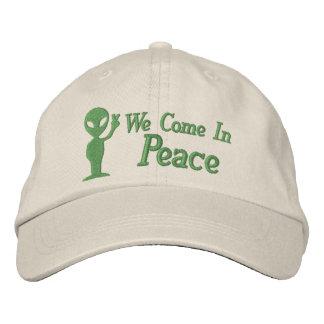 Extranjero venimos en paz gorras de beisbol bordadas