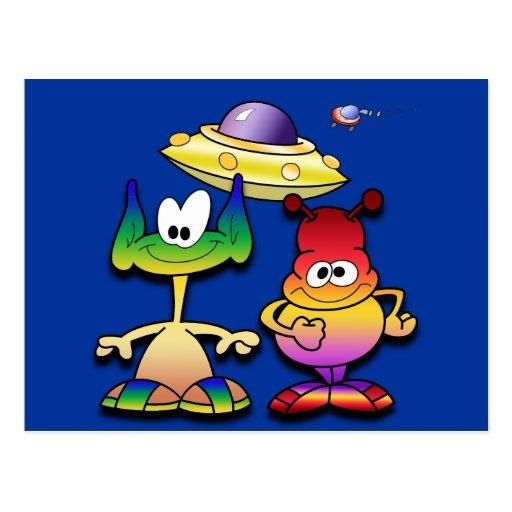 Extranjeros amistosos y un platillo volante postales