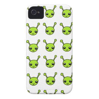 Extranjeros verdes lindos iPhone 4 Case-Mate coberturas