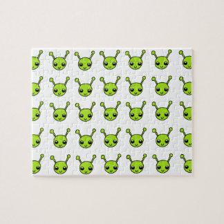 Extranjeros verdes lindos puzzles con fotos