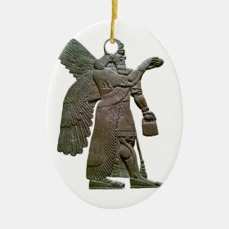 Extraterrestrial extranjero sumerio antiguo de adorno navideño ovalado de cerámica