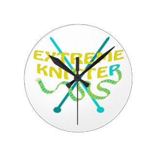 extreme knitter round clock