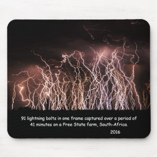 Extreme lightning bolts mouse pad
