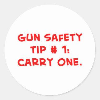 extremidad #1 de la seguridad del arma pegatina redonda