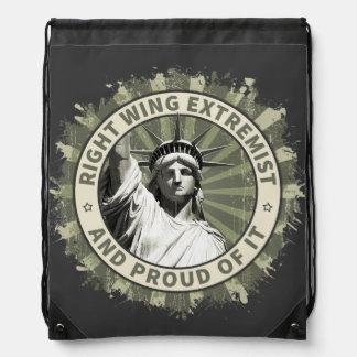 Extremista de la derecha mochila