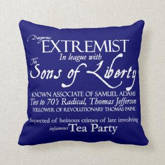 Extremista peligroso: Poster del siglo XVIII del Cojín Decorativo