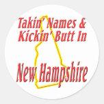 Extremo de New Hampshire - de Kickin Pegatina Redonda