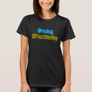 Exudación de la camiseta del negro del Blondness