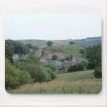 Eyam, el pueblo histórico de la plaga en Derbyshir Alfombrilla De Raton