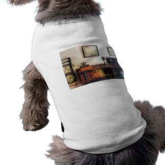 Eye Doctor s Office With Diploma Pet Clothes