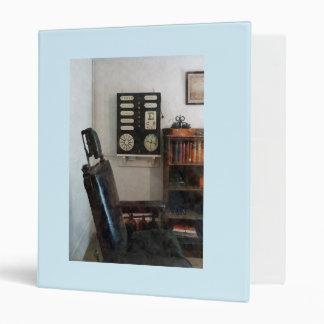Eye Doctor's Office with Eye Chart Vinyl Binder