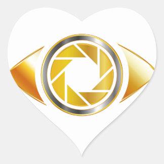 Eye with aperture symbolizing photographic eye heart sticker