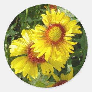 F0006 Yellow Wildflowers Classic Round Sticker