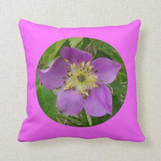 F0024w Wild Rose (rosa acicutaris) Throw Pillow